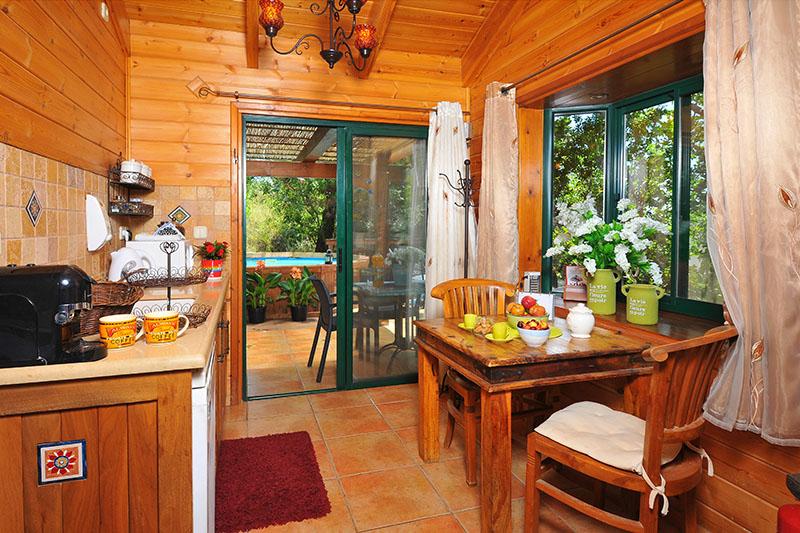 Zimmer_North_Romantic_Cabin (10)