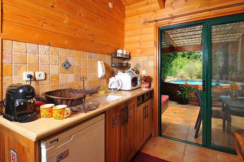 Zimmer_North_Romantic_Cabin (11)